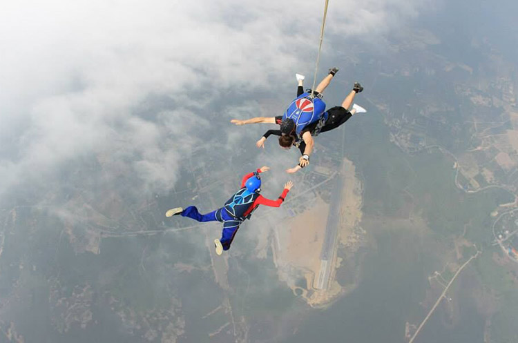 Skydive Pattaya - Prices - Jump out of an airplane at 4000